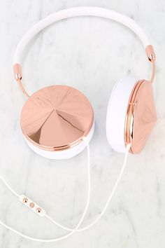 Frends with Benefits Taylor Rose Gold and White Headphones at Lulus.com!