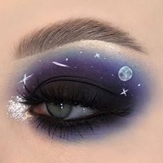 "History of eye makeup ""Eye care"", in other words, ""eye make-up"" has always been a Makeup Eye Looks, Eye Makeup Art, Colorful Eye Makeup, Crazy Makeup, Cute Makeup, Pretty Makeup, Makeup Inspo, Eyeshadow Makeup, Mini Makeup"