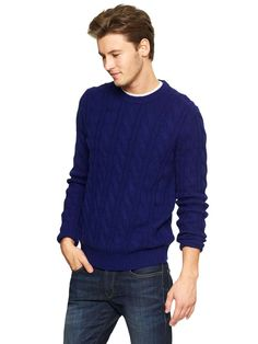 Lambswool cableknit sweater