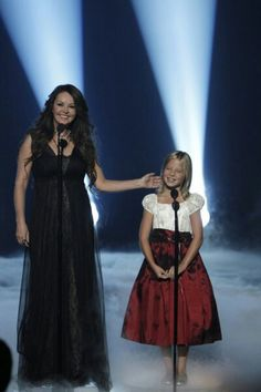 Jackue Evancho with Sarah Brightman - The next best opera singer - She is already great