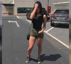 Best Weight Loss Tips in Just 14 Days If You want to loss your weight then make a look in myarticle. Short Outfits, Girl Outfits, Casual Outfits, Summer Outfits, Fashion Outfits, Fashion Trends, Runway Fashion, Look Con Short, Pinterest Fashion