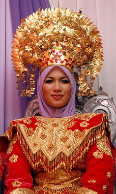 Minangkabau crown for bride. Mid-20th century. Sumatra, Indonesia