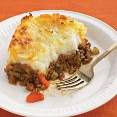 Making this for dinner in the crockpot. Yum. Cheddar Topped Shepherd's Pie