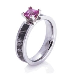 Shop stylish women's outdoors rings at Titanium-Buzz, including awesome women's camo rings and rustic engagement rings. Country Wedding Rings, Camo Wedding Rings, Antique Wedding Rings, Titanium Wedding Rings, Titanium Rings, Vintage Rings, Wedding Jewelry, Wedding Stuff, Wedding Ideas