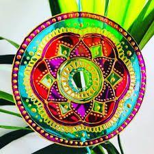 Resultado de imagen para mandalas vitrales en cd Plates, Tableware, Mandalas, Licence Plates, Dishes, Dinnerware, Griddles, Tablewares, Dish