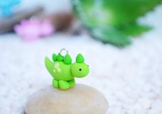 Items similar to Cute Dinosaur Charm - Kawaii Polymer Clay Charm GREEN on Etsy Polymer Clay Kunst, Polymer Clay Animals, Polymer Clay Miniatures, Fimo Clay, Polymer Clay Charms, Polymer Clay Projects, Polymer Clay Creations, Clay Crafts, Polymer Clay Jewelry