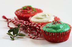Oppskrift på pepperkakemuffins. Desserts, Food, Tailgate Desserts, Deserts, Essen, Dessert, Yemek, Food Deserts, Meals