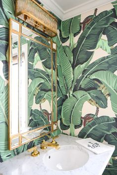 Cheap Ideas, How to Save Money and Add Modern Flair to Home Interiors Modern bathroom decorating, green wallpaper design, wall mirror, golden frame - Add Modern To Your Life Beverly Hills Houses, Green Wallpaper, Palm Leaf Wallpaper, Bathroom Wallpaper 3d, Bathroom Mirrors, Target Bathroom, Bathroom Mural, Cheap Wallpaper, Interior Wallpaper