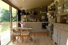 Cuisine et coin repas - gîte n°3 - la maison des Lamour - Bretagne