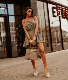 Letné ľahunké šaty v ciernej a khaki farbe. Skvelý kúsok do horúcich dní. #dress #summerdress Shoulder Dress, One Shoulder, Sexy, Dresses, Fashion, Vestidos, Moda, Fasion, Dress