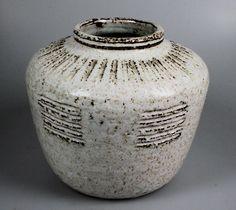 Meindert Zaalberg vaas met reliëfdecoratie - Keramiek- en glasveiling - Keramiek en glas veilen of kopen op de Catawiki veiling