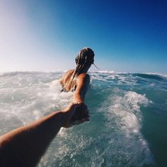 Herkese günaydın ve mutlu bir haftasonu diliyoruz. Bugün fırsatı olanlar için denize yada havuza girmek iyi bir tercih olabilir.Size eşlik edebilecek partneriniz yada arkadaşlarınızı da çağırmayı unutmayın :) #luxtomen #beach #holiday #beachcouple #erkekmodası #moda #erkeklerefikirler