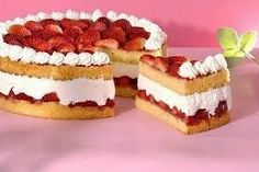 tortas con fresas y crema chantilly decoradas con merengue - Buscar con Google