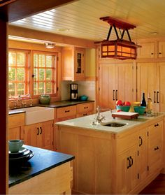 Scaled For Living: Greene & Greene's Chalet Bungalow Reborn Craftsman Kitchen, Craftsman Homes, Craftsman Style, Craftsman Lighting, New Kitchen, Kitchen Ideas, Kitchen Designs, Laundry Room Inspiration, Bungalow Homes