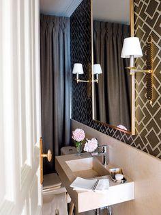 ¿Baño pequeño? Los espejos hacen que tu cuarto de baño parezca más grande.