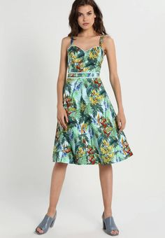 """Oasis. TROPICAL CUBA  - Summer dress - multi. Fit:tailored. Outer fabric material:98% cotton, 2% spandex. Our model's height:Our model is 71.0 """" tall and is wearing size 10. Pattern:floral. Care instructions:machine wash at 40°C,do not tumble ..."""
