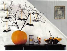 1 Branch + 1 Pumpkin + Some Bats = Cute Halloween Tree