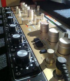 Vestax PMC250R - such a fun little mixer!