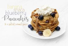 Gorgeous healthy pancakes - banana, maca & blueberry with a delicious salted caramel sauce (spoiler: it's made from dates). These healthy pancakes count as 1 of your 5 a day, are packed with protein, fibre, vitamins and minerals! Pre Workout Breakfast, High Protein Breakfast, Breakfast Pancakes, Banana Pancakes, Healthy Breakfast Recipes, Healthy Eating, Salted Caramel Sauce, Coconut Flour, Metabolism