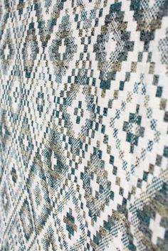 Woven Wings Wrap Kingfisher Diamond Tiles 5