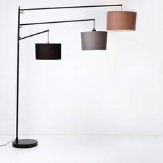 Elegant gulvlampe med 3 lamper med skjermer, hvor alle lampene er svingbare. H199cm