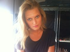 Toni Garrn @realtonigarrn - Twitter / Recent backstage images by @LISAHOUGHTON