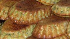 Zdravé muffiny pripravené z cukety s kyslou smotanou a cesnakom! Pripravené rýchlo a jednoducho!