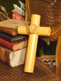 B332 - Adorable Antique French Crucifix With Cherubic Angel, C1880, Heavenly & Divine - La Belle Étoffe