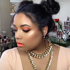 @narsissist #unfiltered #blush & #highlight @juviasplace #thesaharanpalette #nubian2palette #eyeshadow @bhcosmetics #pow #pop #lipstick @lagirlcosmetics #nectar #lipliner @guerlain #terracotta #bronzer @smashboxcosmetics #foundation #makeup #makeuplover #beautyblogger #youtuber #dominican #puertorican #wakeupandmakeup #twochains #twobuns #springmakeup