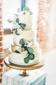 Sage green and gold wedding cake with flowers wedding cake toppers Urban Botanical Wedding Inspiration ⋆ Ruffled Wedding Cakes With Flowers, Beautiful Wedding Cakes, Beautiful Cakes, Elegant Wedding, Wedding Simple, Green Wedding, Multiple Wedding Cakes, Cake Flowers, Purple Flowers