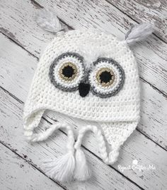 Crochet Snowy Owl Hat from Repeat Crafter Me