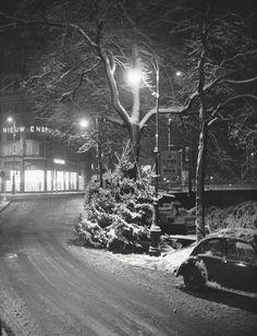 1950's. View of the crossing Singel and Leidsetraat in Amsterdam. Photo Kees Scherer. #amsterdam #1950 #Singel #Leidsetraat