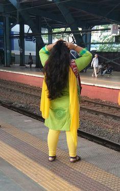 Beautiful Girl Indian, Beautiful Girl Image, Beautiful Indian Actress, Beautiful Braids, Beautiful Long Hair, Gorgeous Hair, Indian Long Hair Braid, Braids For Long Hair, Indian Beauty Saree