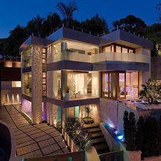 Inside Celebrity Homes: Bill Gates Mansion Tour - - Inside Celebrity Homes, Celebrity Houses, Celebrity Mansions, Style At Home, Bill Gates's House, Mansion Tour, Mansion Designs, Modern Mansion, Modern Homes