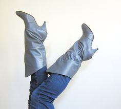 Vintage 1980s Grey Leather Boots / 80s Knee High Gray Boots / 8 1/2 by BasyaBerkman on Etsy