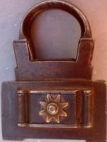 antique padlocks -- Antique Price Guide Antique Keys, Rare Antique, Antique Brass, Yale Locks, Gold Gate, 9ct Gold Chain, Padlocks, Key Lock, Price Guide