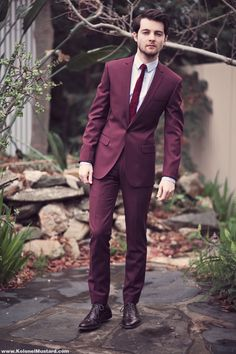 I'm very much an advocate of sticking to the basics when in comes to the colors of suiting (brown, black, grey, blue & their mild variants), but this burgundy is something to contemplate seriously!!