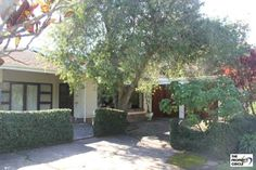 PROPERTY RAMSGATE - RAMSGATE House HIBISCUS COASTThe property consists of 5 Bedrooms (lots of BIC), 4 Bedrooms (mes), light and airy lounge with lots of windows, diningroom, 2nd lounge, large kitchen with 3 sinks and scullery. Other features include 3 Garages, 1 Carport, Store room, laundry and linen cupboard. R 980 000