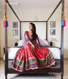 indian wear | portrait pose  | sari pose | Indian Weddings | Indian Outfits | Indian Wedding Poses