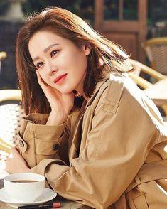 Korean Girl, Asian Girl, Asian Woman, Korean Actresses, Korean Actors, Singer Fashion, Yu Jin, How To Pose, Korea Fashion