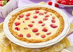 Eagle Brand® | Strawberry Rhubarb Cream Pie Strawberry Recipes, Apple Recipes, Sweet Recipes, Chocolate Mousse Pie, Chocolate Recipes, Lime Cream, Cream Pie, Poffertjes Recipe, Sweet Potato Pecan Pie