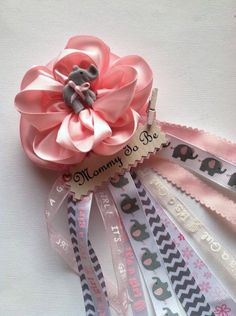 baby shower corsage Baby Shower Mum, Baby Shower Cakes, Baby Showers, Baby Corsage, Footless Sandals, Baby Event, Elephant Baby, Corsages, Hadley