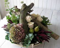 'Art de la Fleur' Gemaakt door Martha  Beauty , flowers , Autumn , Fall , Hydrangea , wood , pears , roses.