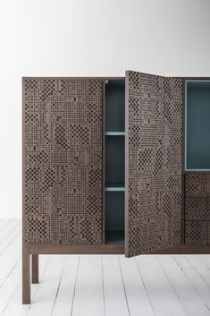 Hi-Deck: #wood surface engraved with a geometric texture - New Capo d'opera collection at iSaloni 2015