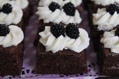 Tarun Taikakakut: Brownies-leivokset Kermit, Brownies, Cheesecake, Desserts, Food, Cake Brownies, Tailgate Desserts, Deserts, Cheesecakes