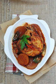 Daegu Jorim (Braised Cod Fish) Daegu Jorim (Soy Braised Cod Fish with Radish) – Korean Bapsang Asian Pear Recipes, Radish Recipes, Cod Recipes, Seafood Recipes, Cooking Recipes, Healthy Recipes, Korean Recipes, Healthy Food, Korean Dishes