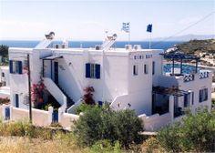 Syros Apartments, Kini Bay.   travelovergreece