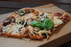 Whole-Wheat Spinach Pizza with Sundried Tomato Pesto Sauce