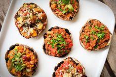 3 Vegan Stuffed Portobello Mushroom Recipes to Steal the Spotlight Easy Vegetarian Lasagna, Low Calorie Vegetarian Recipes, Vegan Dinner Recipes, Vegan Dinners, Easy Dinners, Healthy Foods, Vegan Stuffed Mushrooms, Portobello Mushroom Recipes, Food Blogs