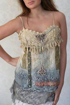 Gaby romantic summer top with antique laces par FleursBoheme